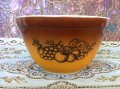 Pyrex, Old Orchard, Milk Glass Mixing Bowl (S)1 1/2 PT.=750ml #4001