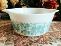 Pyrex, Butterprint, Milk Glass Casserole 1 1/2 QT(1.5 L)  White