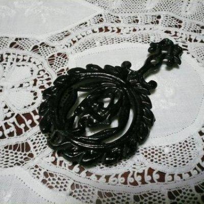 画像1: 鉄製ミニ鍋敷き ラウンド型