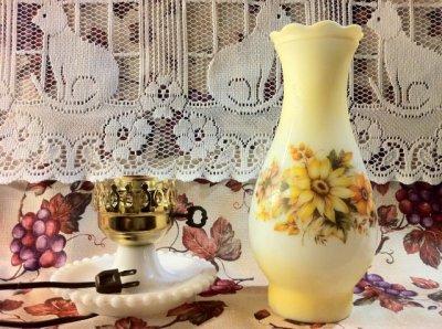 画像2: ビンテージ・ミルクグラス・ランプ ブーピー イエロー&オレンジフラワー