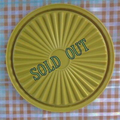 画像2: sold ビンテージ・タッパーウェア クイックシール(フタ) アボガドグリーン(抹茶色) 5インチ(製品番号 812-35)