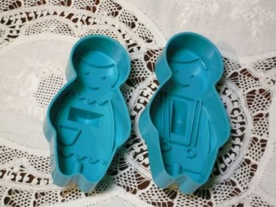 画像2: Avon, Boy & Girl Cookie Cutter set