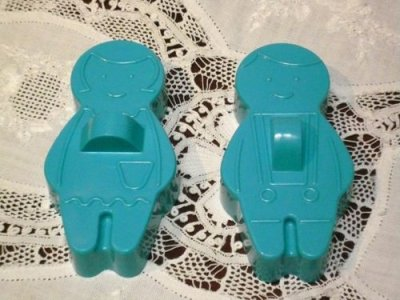 画像1: Avon, Boy & Girl Cookie Cutter set