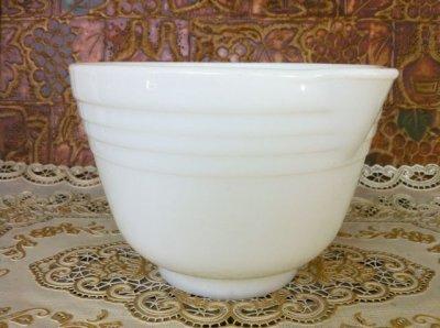 画像4: Pyrex, Hamilton Beach, Milk Glass Mixer / Mixing Bowl with Lip  (M)