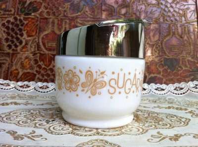 画像2: ゲムコ/コーニング ミルクグラス バタフライ・パイレート・ゴールド柄 砂糖壺 1971年