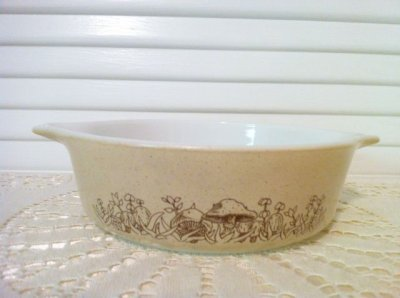 画像1: Pyrex, Forest Fancies ,  Round Casserole, 500mll,  #471-B