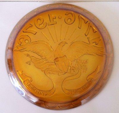 画像4: インディアナグラス 1976年アメリカ建国200年記念 アメリカン・イーグル ゴールド・カーニバルグラス飾り皿 新品箱つき