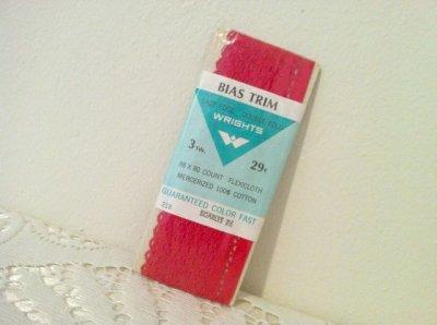 画像1: ビンテージ 未開封バイアス・トリムテープ(チロリアンテープ)赤 2.75mm made in USA