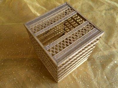 画像4: ビンテージ・ゴールドメタル・フィリグリー ティッシュボックス・カバー 薔薇のアクセント