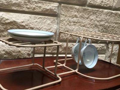 画像1: ビンテージ食器オーガナイザー ダークアイボリー(ラックのみ)