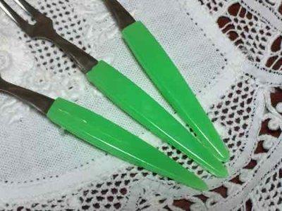 画像2: 新品 日本製 昭和なフルーツ・フォーク 3本セット グリーン
