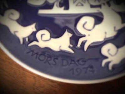 画像2: Royal Copenhagen Mother's Day Dish 1974