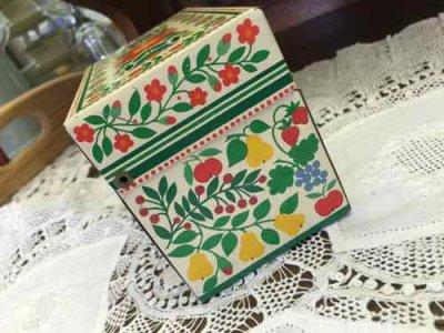 画像2: ビンテージ・レシピ缶 フルーツ・ツリー柄 ホールマーク社製 made in USA