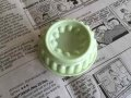 Vintage Magnet, Tupperware Jel-Ring Mold