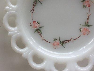 画像2: Anchor Hocking, Old Colony, Milk Glass Lace Edge with Pink Flowers Plate