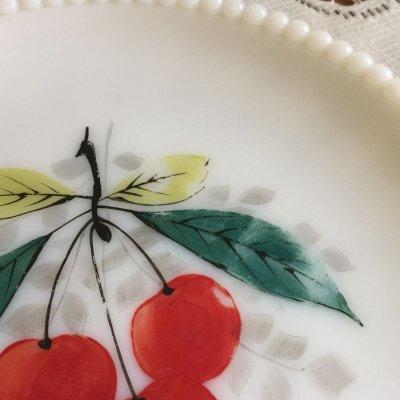 画像3: ウェストモーランド ミルクグラス ビーズエッジ 手描きフルーツ サラダプレート チェリー その2