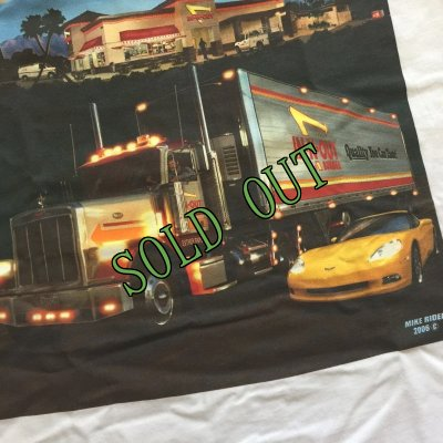 画像2: sold イン・アンド・アウト 新品 2006年コレクターTシャツ コンボイ&コルベット メンズM