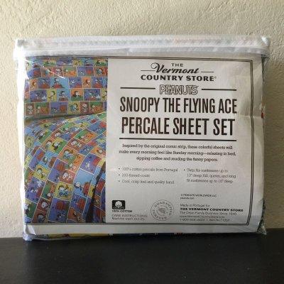 画像2: スヌーピーと仲間たち 新品未開封シーツ2枚+枕カバー 3点セット 100%コットン ツインサイズ フライングエース柄