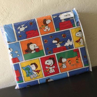 画像1: スヌーピーと仲間たち 新品未開封シーツ2枚+枕カバー 3点セット 100%コットン ツインサイズ フライングエース柄