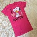 新品タグ付き  Tシャツ スヌーピー「2015年 アイ・ラブ・ボストン」ピンク ガールズS  2015年