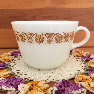 画像1: パイレックス ミルクグラス バタフライゴールド ぽってりカップ