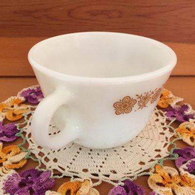 画像2: パイレックス ミルクグラス バタフライゴールド ぽってりカップ