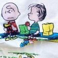 画像5: レアミスプリ! スヌーピーと仲間たち 1971年 ビンテージシーツ  ハピネス柄 ツインサイズ フラットシーツ ほつれあり